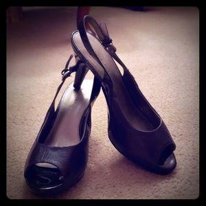 Bandolino sling back heels